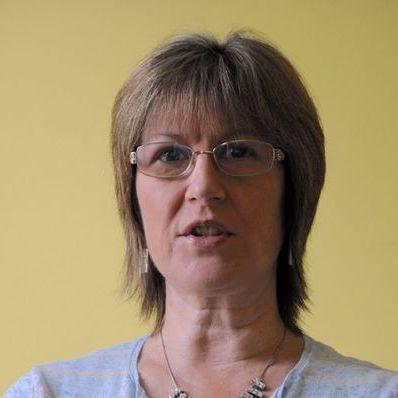 Dr Marian Iszatt-White